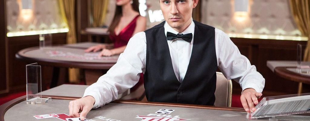 Live Casino Games- Using Dealers and Croupiers